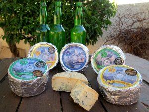 Variedades de queso azul El Cabriteru y sidra de Asturias