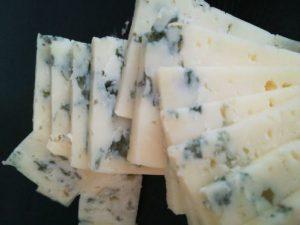 Precioso corte de queso azul de El Cabriteru