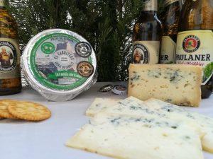Queso azul de El Cabriteru y cerveza Paulaner