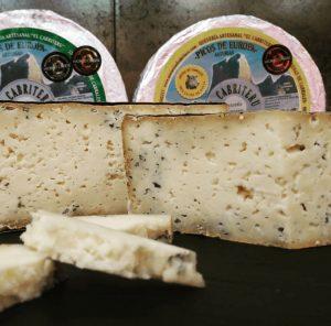 El Cabriteru quesos cortados
