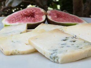 postre queso azul El Cabriteru con higos