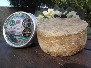 queso azul mezcla de dos leches de El Cabriteru