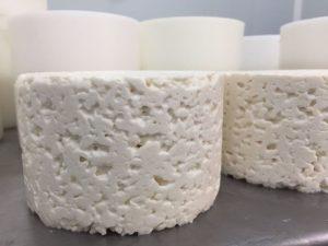 queso azul recién hecho El Cabirteru