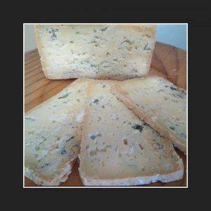 queso_azul_El_Cabriteru_cortar_queso