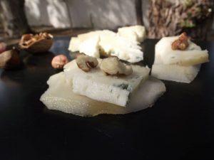 plato queso azul de el Cabriteru, miel, manzana y pera