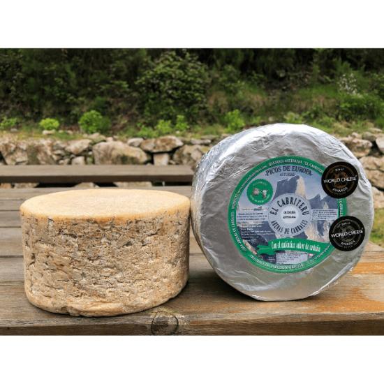 queso azul de El Cabriteru mezcla de oveja y cabra corteza natural