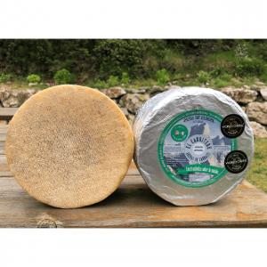 queso azul de El Cabriteru mezcla de oveja y cabra corteza