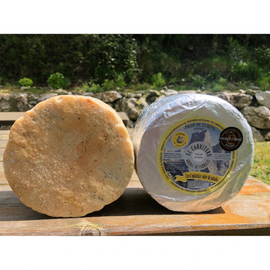 queso azul de leche cruda de oveja de El Cabriteru corteza natural