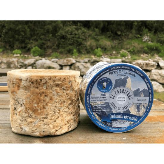corteza natural del queso azul de El Cabriteru pura leche cruda de cabra