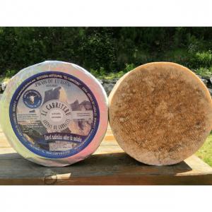 corteza del queso azul de El Cabriteru pura leche cruda de cabra tamaño grande