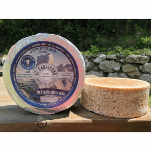 corteza natural del queso azul de El Cabriteru pura leche cruda de cabra tamaño grande