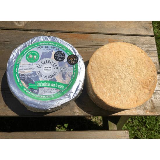 queso azul mezcla de leche de oveja y cabra de El Cabriteru corteza natural parte superior