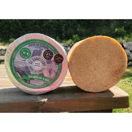queso azul mezcla de leche de oveja y cabra de El Cabriteru corteza natural comestible
