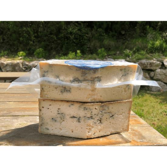 cuña de queso azul de El Cabriteru tamaño grande