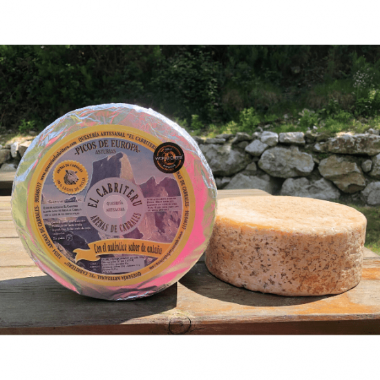 queso azul leche cruda de oveja de El Cabriteru tamaño grande corteza natural comestible