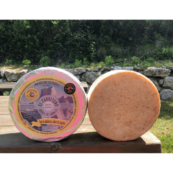 queso azul leche cruda de oveja de El Cabriteru tamaño grande corteza natural